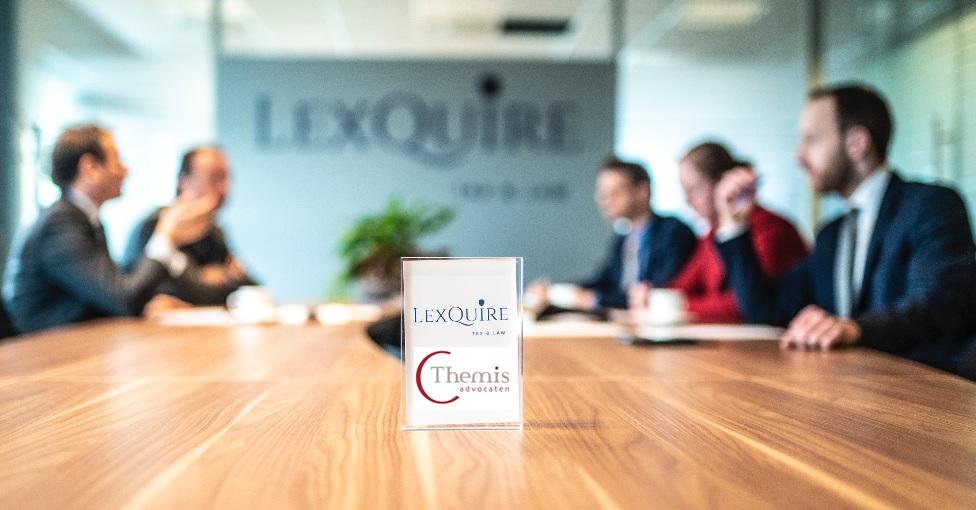 Themis Advocaten en LexQuire vergaderen